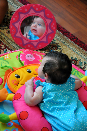 mia 2 months old tumy time
