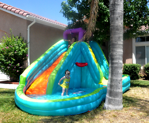 LIttle Tikes Inflatable WaterSlide (2)