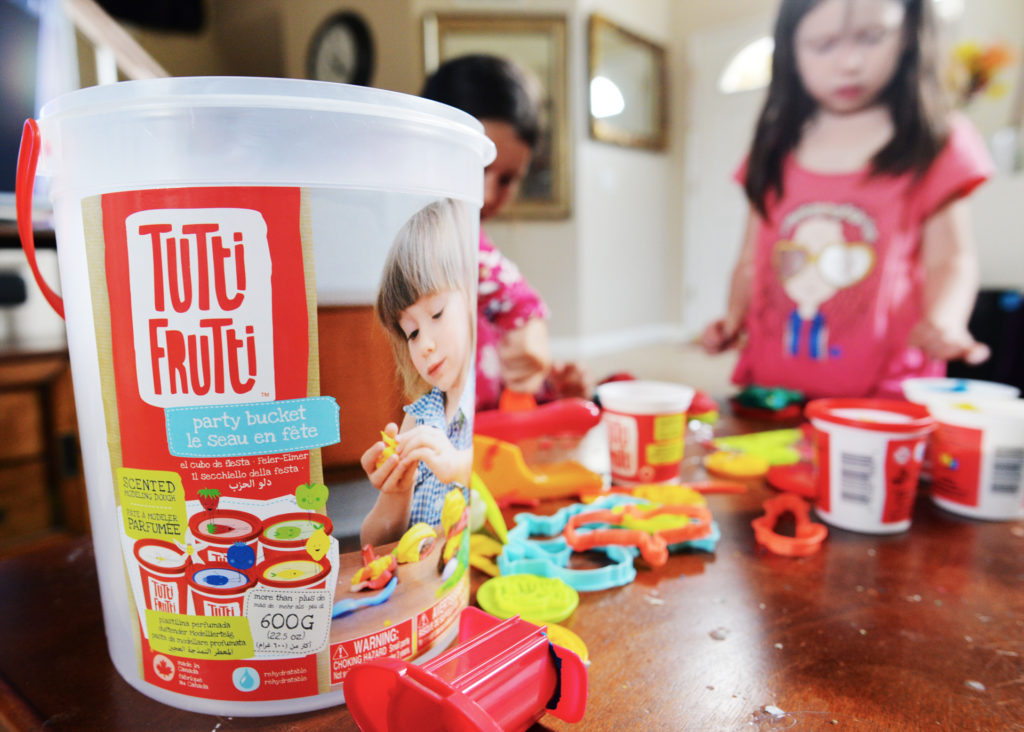 tutti frutti party bucket scented dough kids toys girls craft