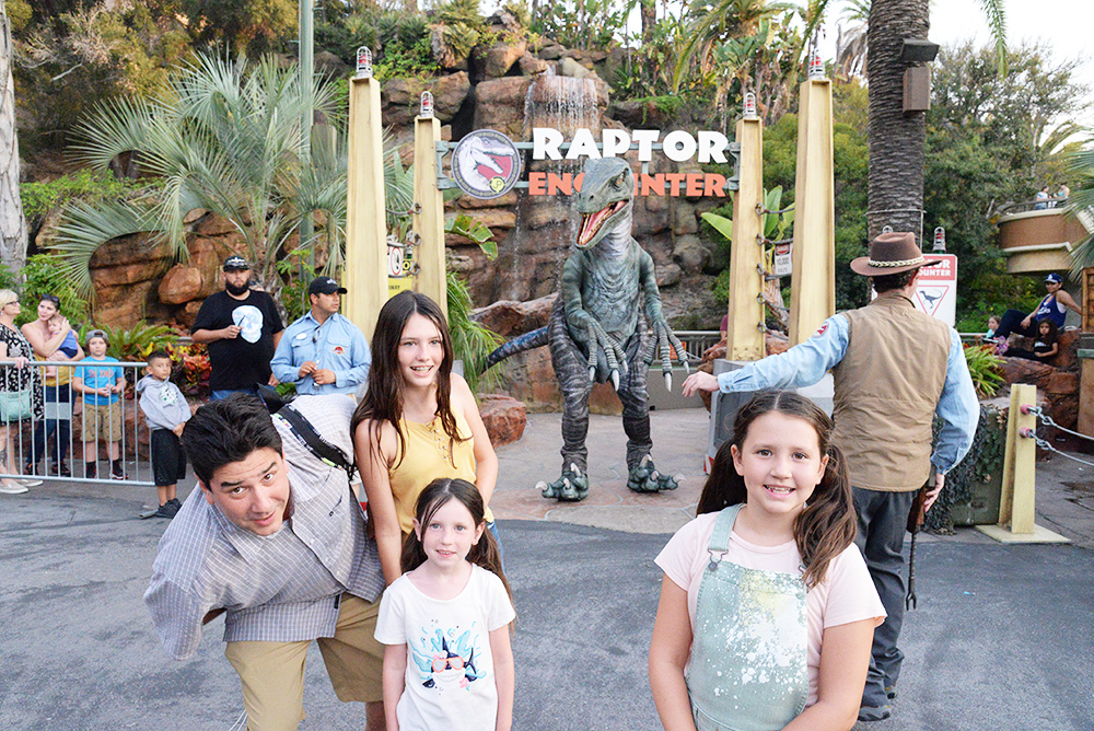 universal studios hollywood raptor encounter jurassic park