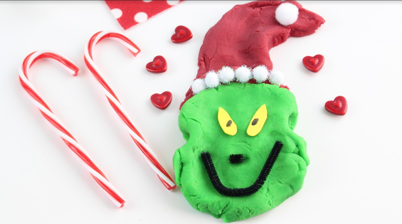 Crafting With Kids – The Grinch Playdough